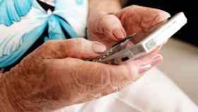 Los mejores móviles Android para personas mayores