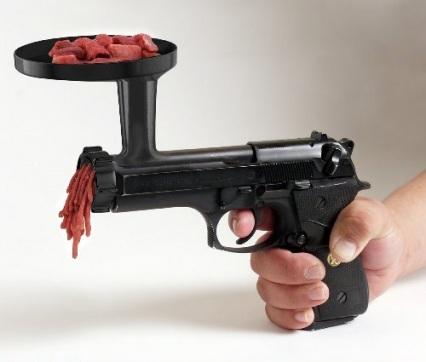 picadora de carne con forma de pistola
