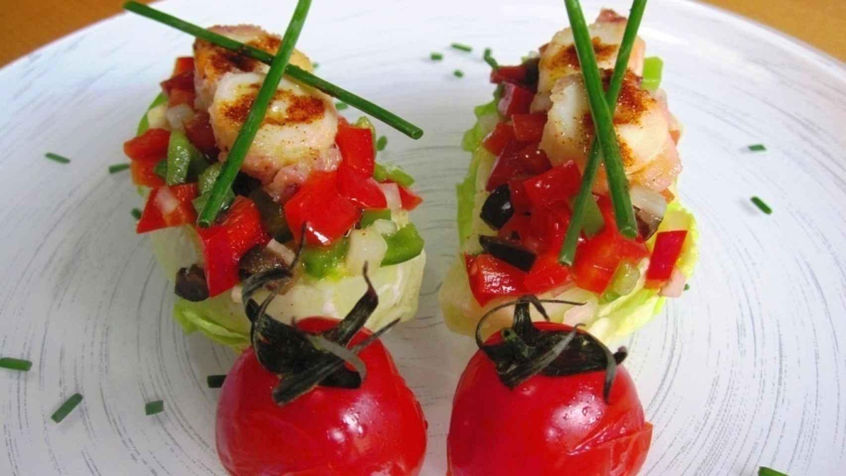 Ensalada de cogollos, pulpo y tomates cherry 0