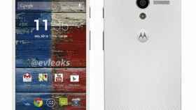 El Motorola Moto X se desvela en blanco, y se filtra su batería