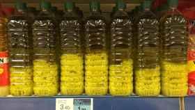 Grumos blancos en el aceite de oliva