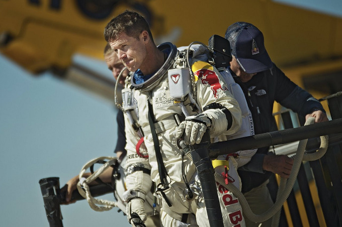red-bull-stratos-04