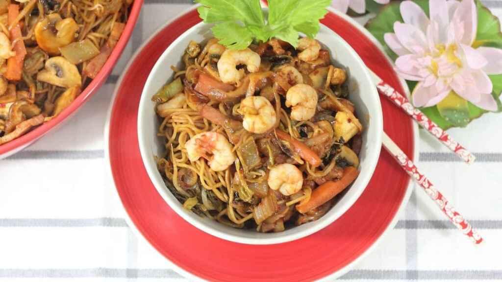 Fideos fritos indonesios o Bami Goreng