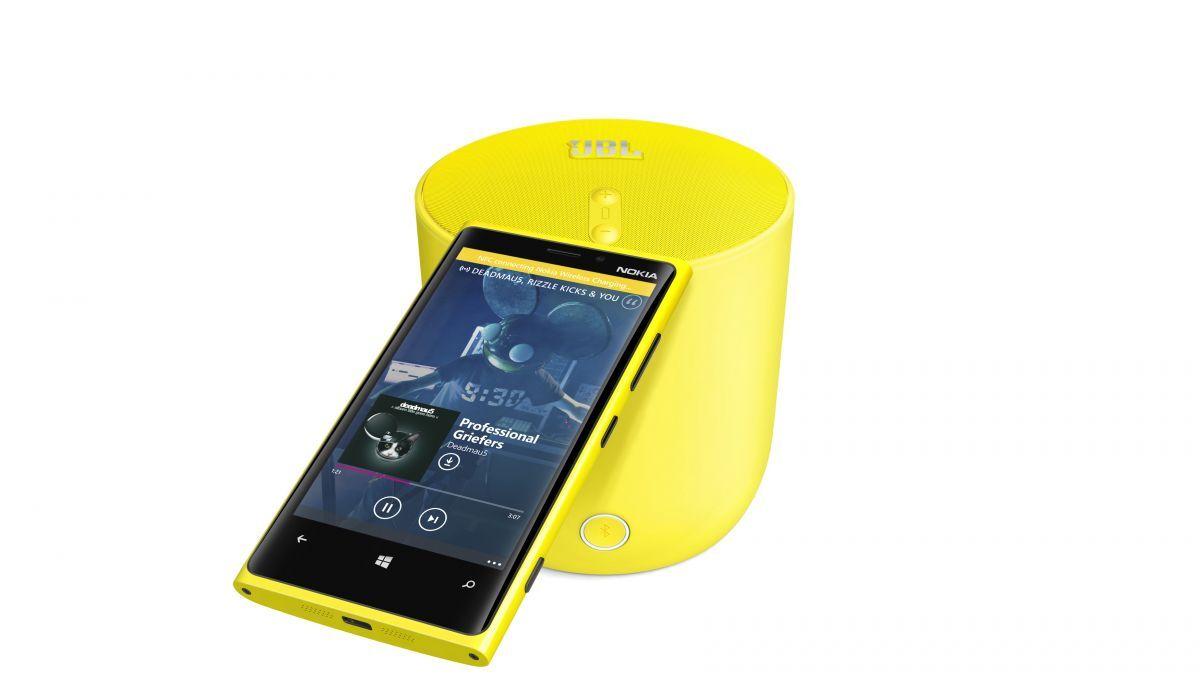 1200-jbl-playup-portable-wireless-speaker-for-nokia-with-nokia-lumia-920
