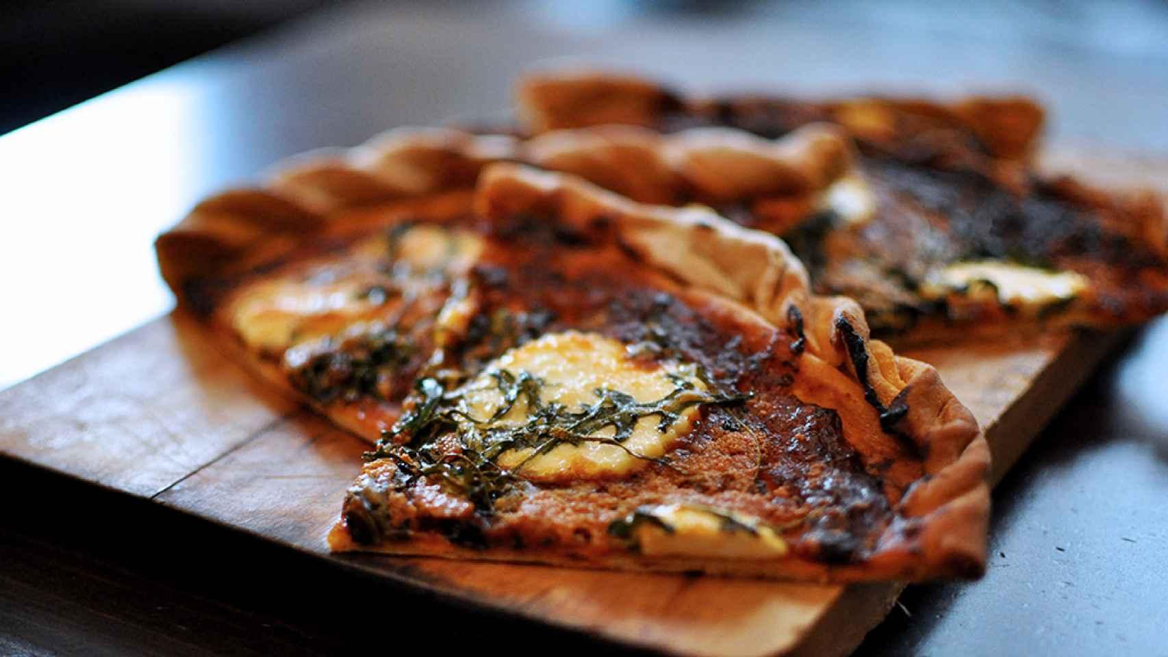 pizza-queso-burgos-rucula-01