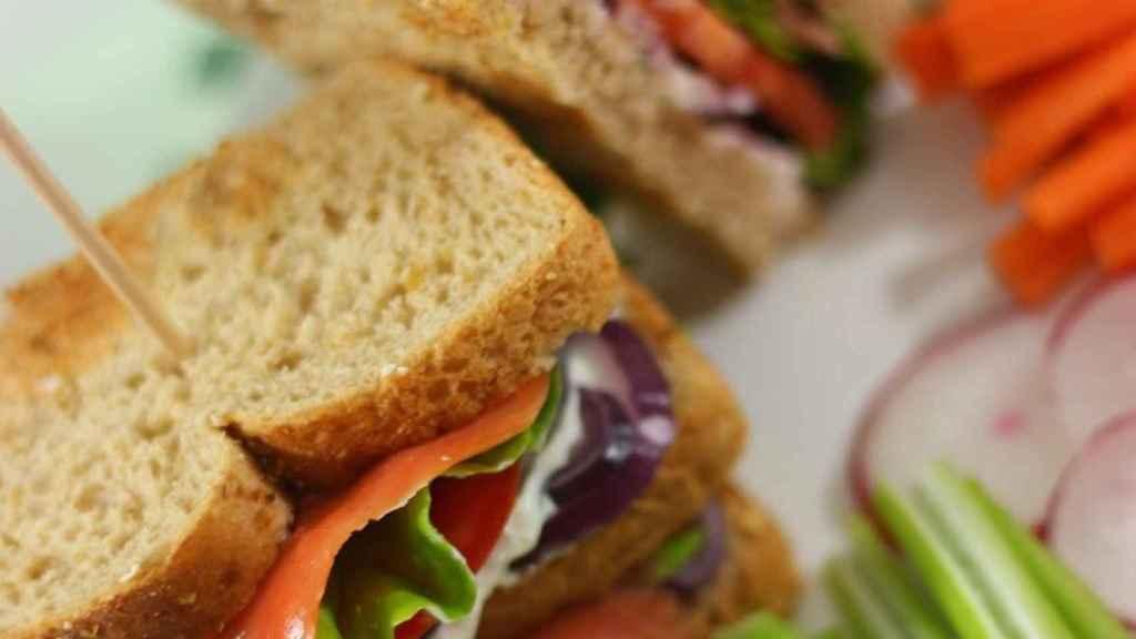 Sándwich Salmón Club como el del Vips