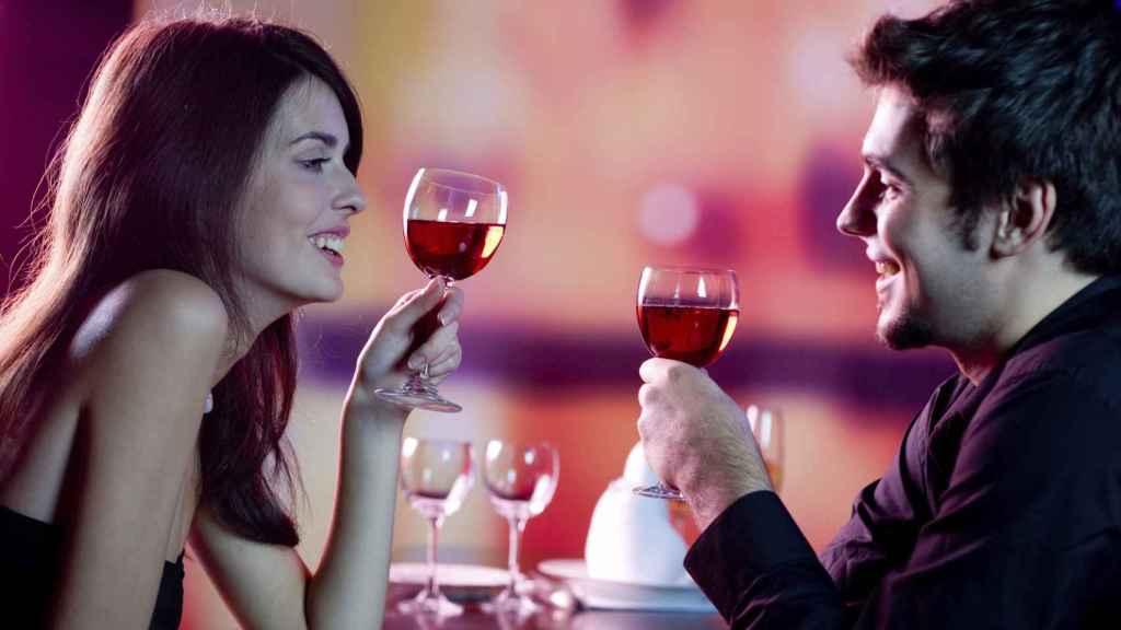 beber-vino-anticaries