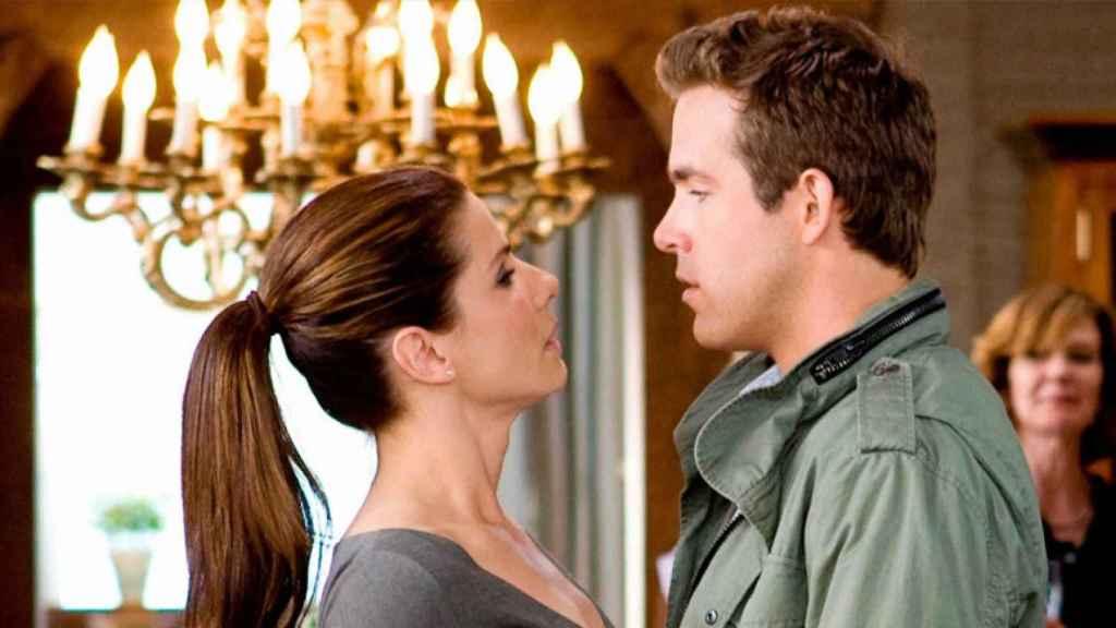 Sandra Bullock y Ryan Reynolds en 'La proposición'