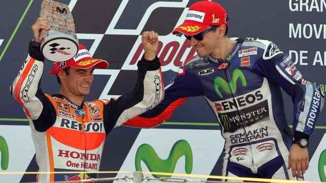 Pedrosa y Lorenzo en el podio del GP de Aragón.