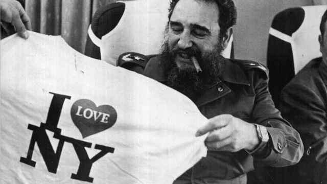Fidel Castro, en un avión de vuelta a La Haban, en 1992