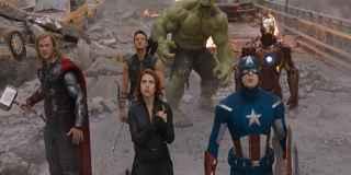 La Viuda negra junto a Capitán América, en una escena de la película.