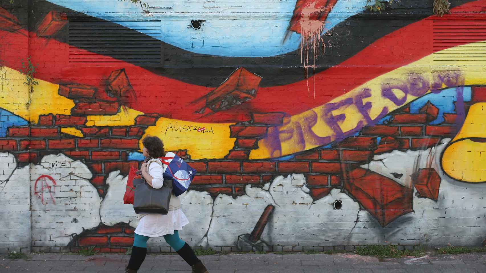 Un mural con la bandera alemana en Berlín