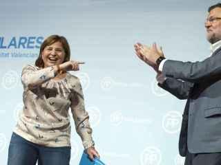 Rajoy, junto a Isabel Bonig, en un acto de Valencia.