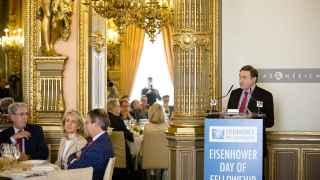 El director de EL ESPAÑOL en un acto de Fundación Eisenhower.