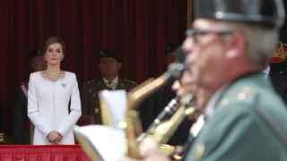 Doña Letizia presidiendo un desfile militar