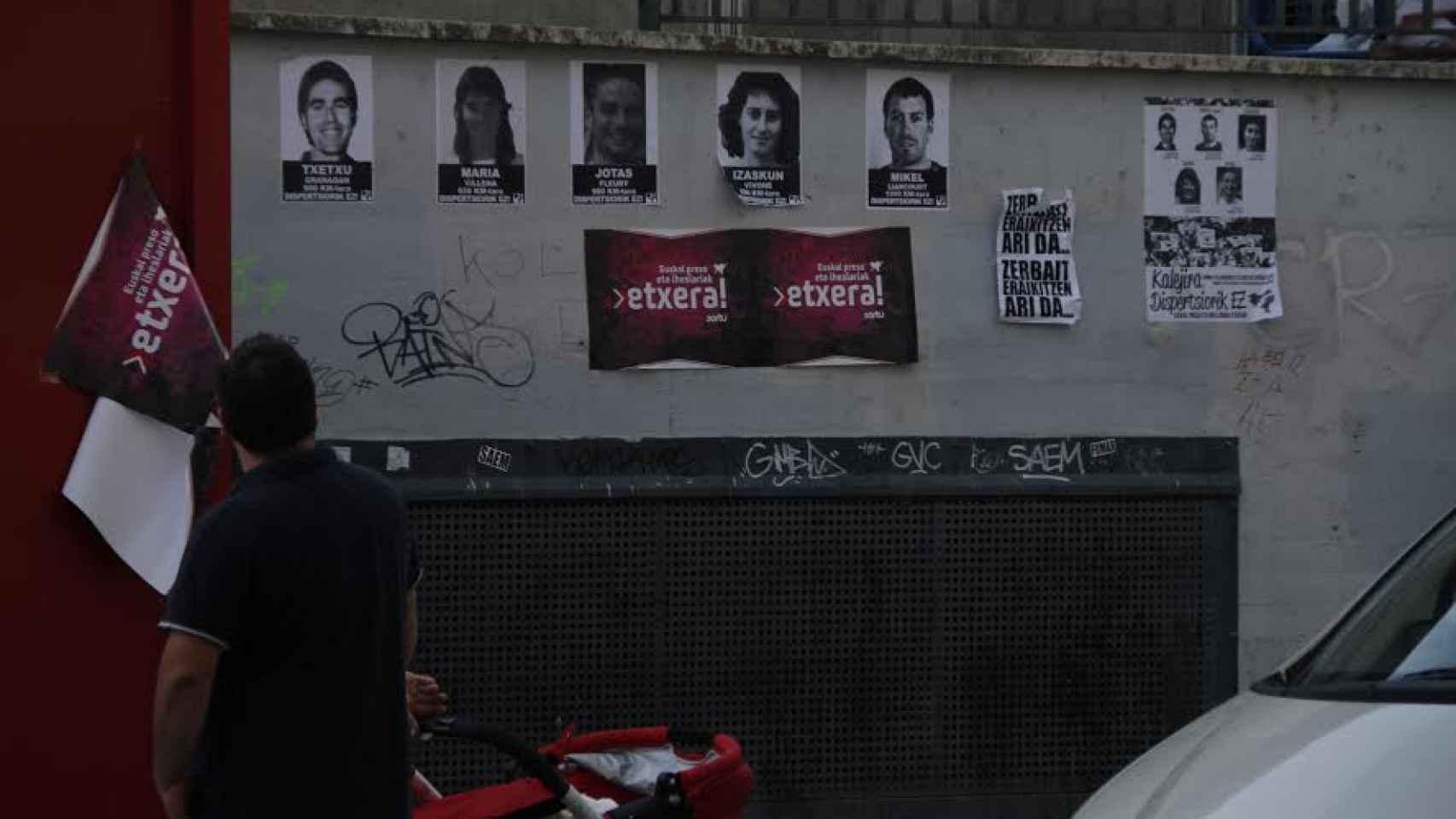 Grupos abertzales se manifiestan en la localidad navarra de Villava / Gonzalo Araluze