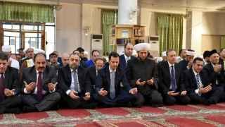 Bashar Al Asad rezando en la mezquita de Al Adel en Damasco el pasado 24 de septiembre