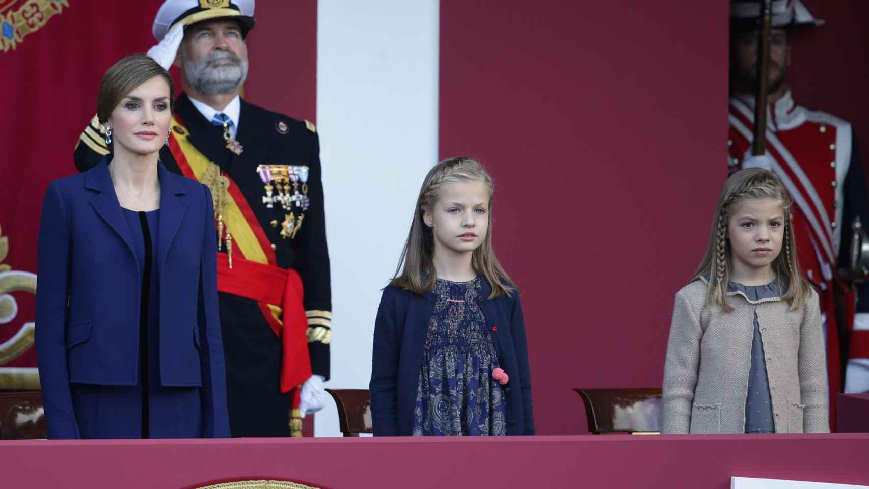 La Reina y las Infantas preparadas en el Día de la Hispanidad
