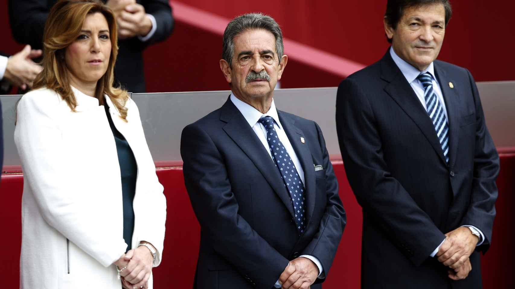 Los presidentes de Andalucía, Susana Díaz, de Cantabria, Miguel Ángel Revilla, y de Asturias, Javier Fernández / Efe
