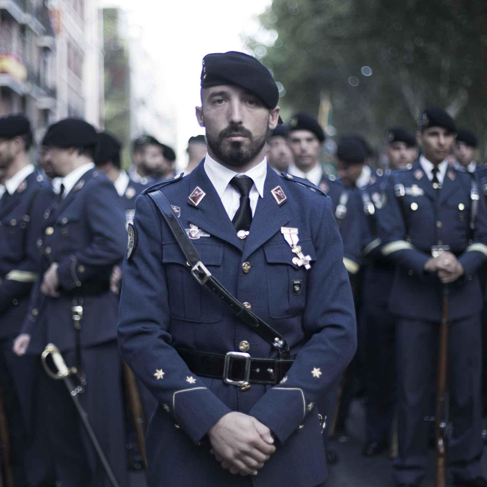 Ulpiano Yrayzoz, capitán de la Escuadrilla de Honores del Ejército del Aire.