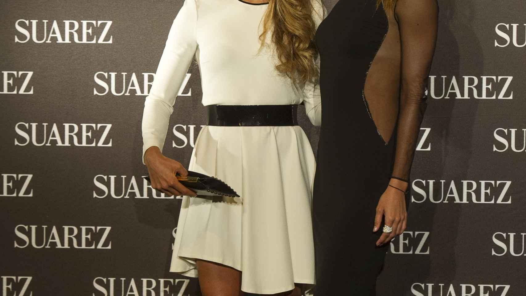 Gisela Pulido y Ona Carbonell con joyas de Suárez