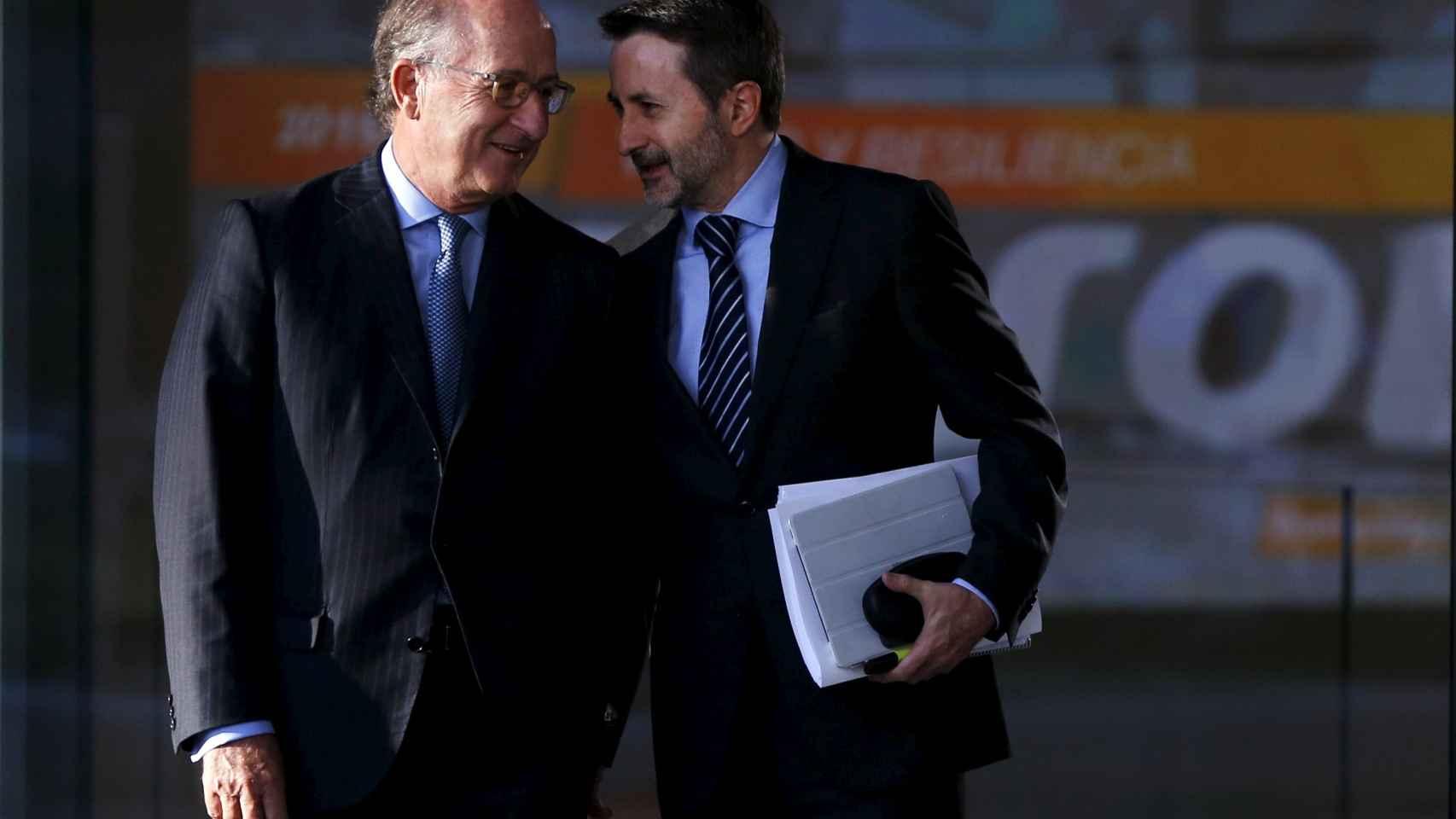 El consejero delegado de Repsol, Josu Jon Imaz (dcha.), junto a su presidente, Antonio Brufau.