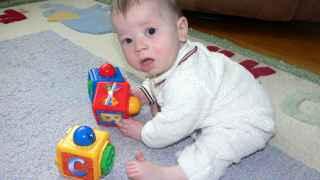 Un bebé de seis meses