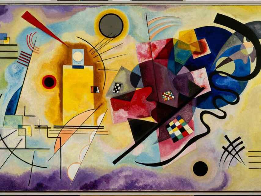 Amarillo-rojo-azul (1925), una de las obras más famosas de Kandinsky
