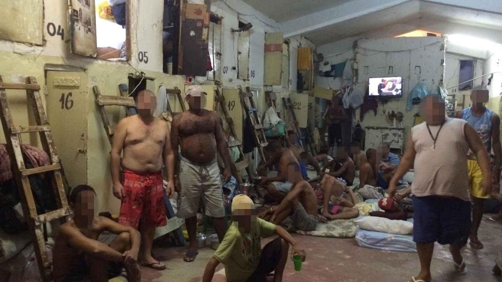 Los reclusos viven hacinados en las cárceles de Pernambuco.