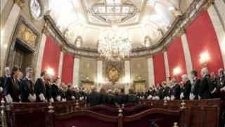 Reunión de magistrados en el salón de plenos del Tribunal Supremo