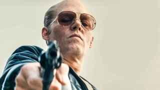 Johnny Depp, como el gángster Whitey Bulger, en Black Mass