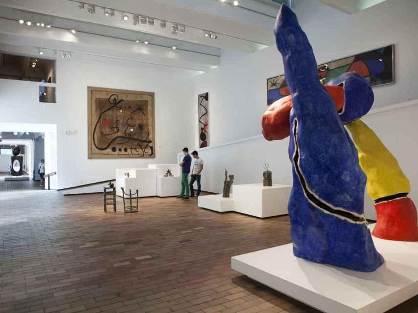 Sala de esculturas de la Fundación Joan Miró.