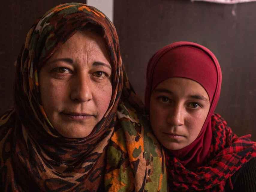 Madre e hija en Zaatari / District Zero y Oxfam Intermon