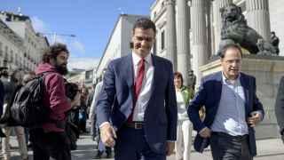 Cataluña propicia un acercamiento entre Sánchez y Rivera