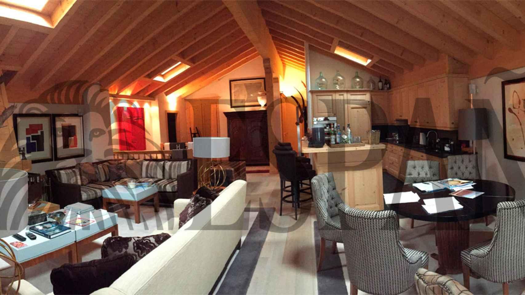 Panorámica del salón del dúplex compartido en Suiza por CSW y el rey Juan Carlos