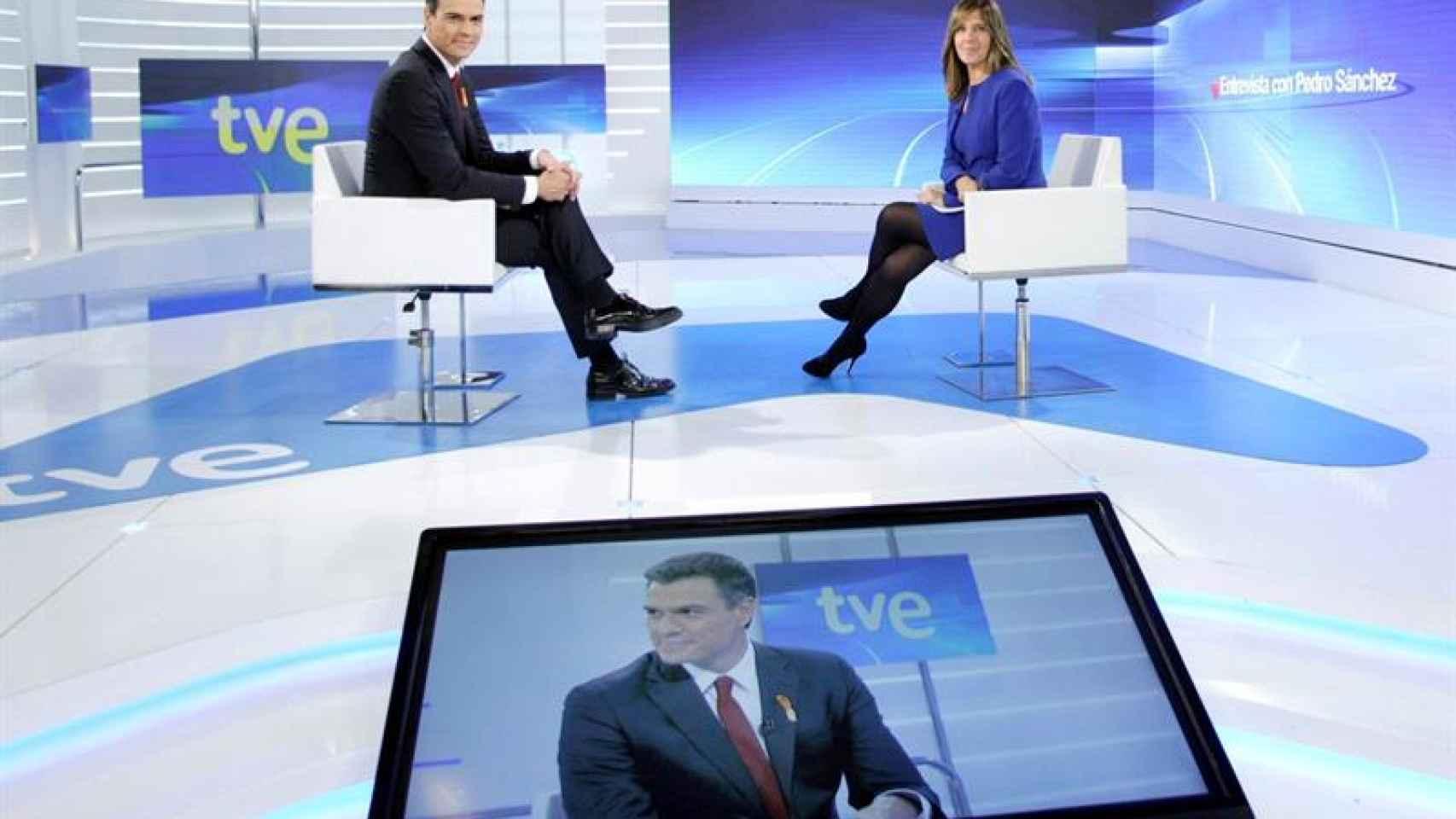 Pedro Sánchez durante la entrevista en TVE