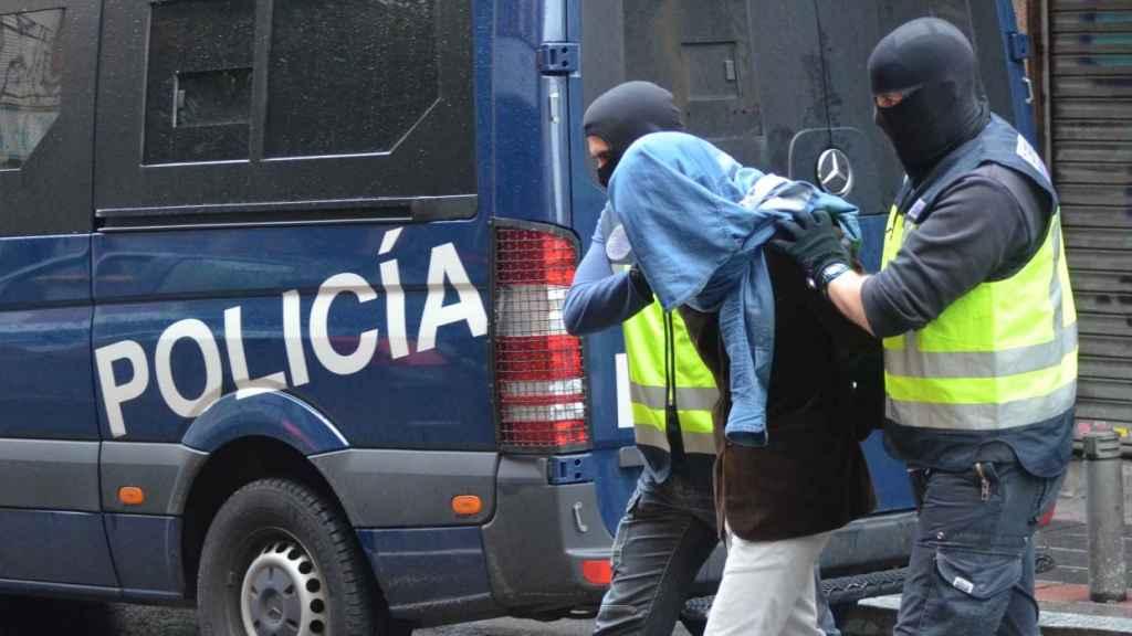 Detención de un presunto yihadista en el barrio madrileño de Vallecas.