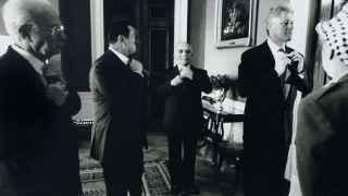 Rabin (i) con Clinton (d), Mubarak y el rey Hussein antes de firmar en 1995.