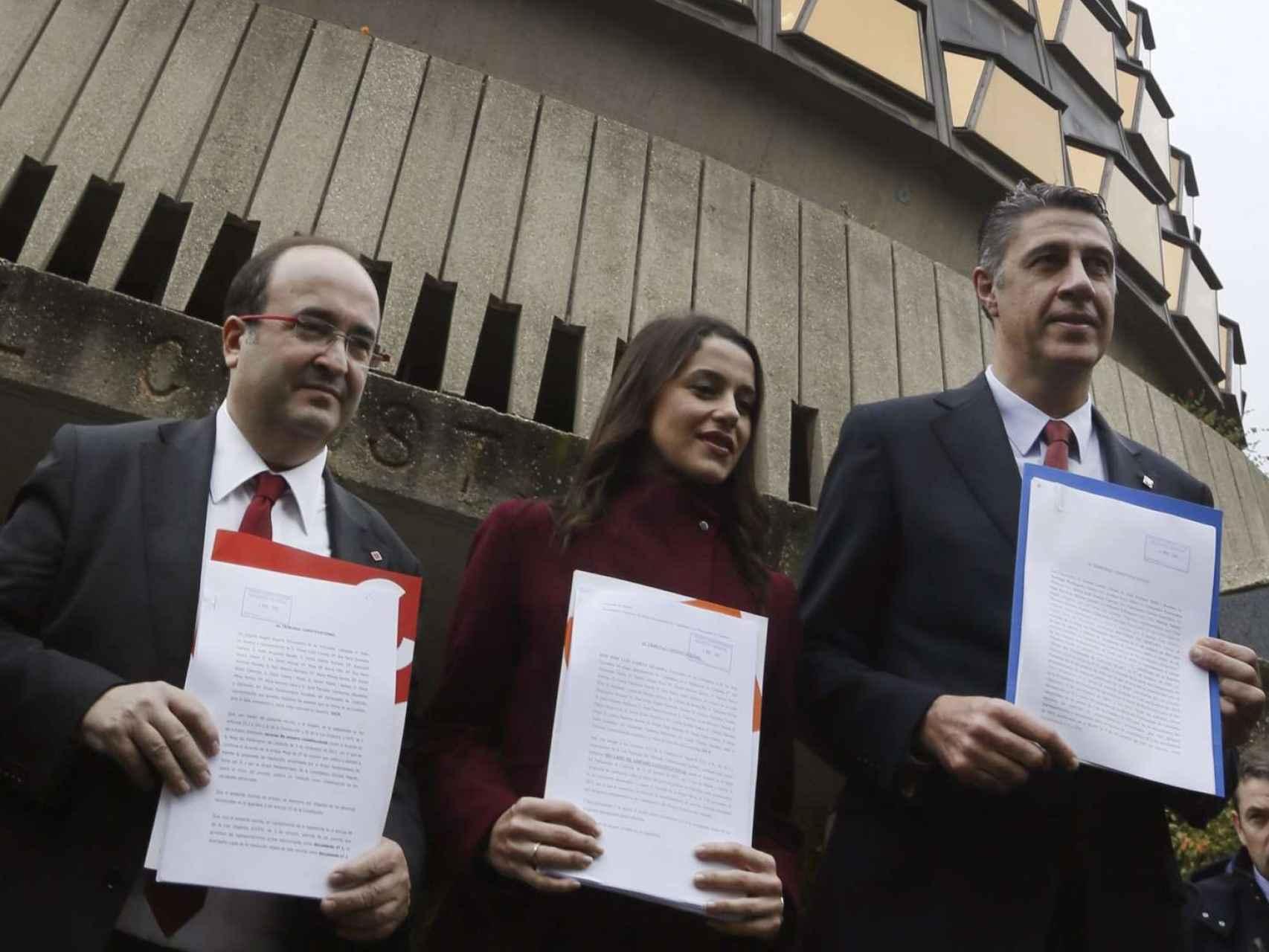 Miquel Iceta, Inés Arrimadas y Xabier Albiol presentan los recursos de amparo ante el Tribunal Constitucional