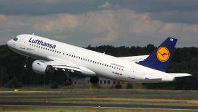 Un avión de Lufthansa.