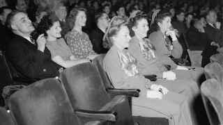 Noviembre de 1946, espectadores en los 25 años de Paramount.
