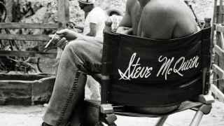 Steve McQueen en un descanso del film Nevada Smith