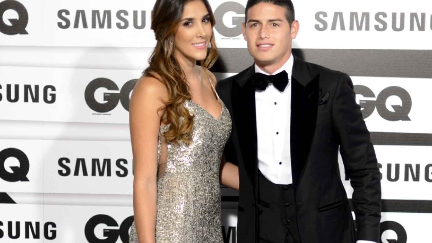 El futbolista James Rodríguez con su novia Daniela Ospina