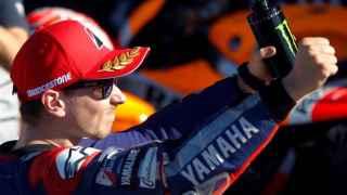 Jorge Lorenzo celebra su pole en el Gran Premio de Valencia.