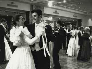 Luisa Sánchez-Bravo en el baile de debutantes del Palace en 1994.