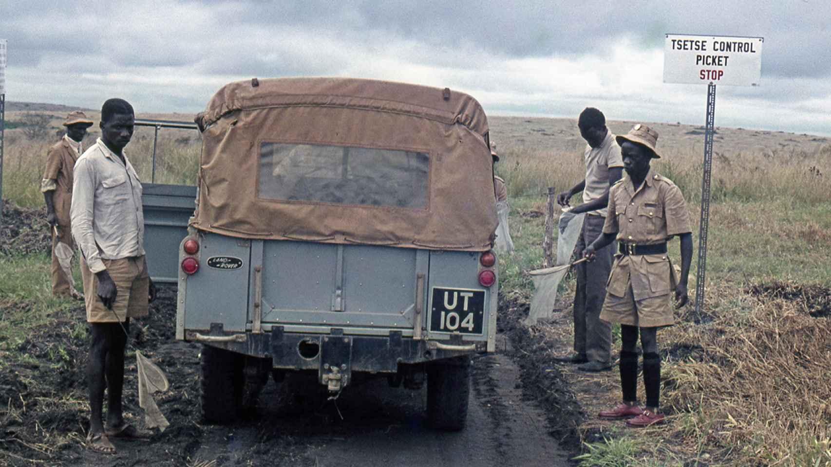 Un control de moscas tsé-tsé en la Uganda de los años 60.