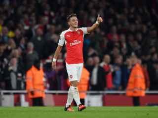 Özil celebra el segundo gol ante el Bayern Munich.