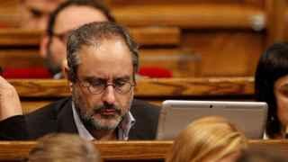 """Baños, a Mas: """"No parece estar dispuesto a levantar las alfombras"""""""