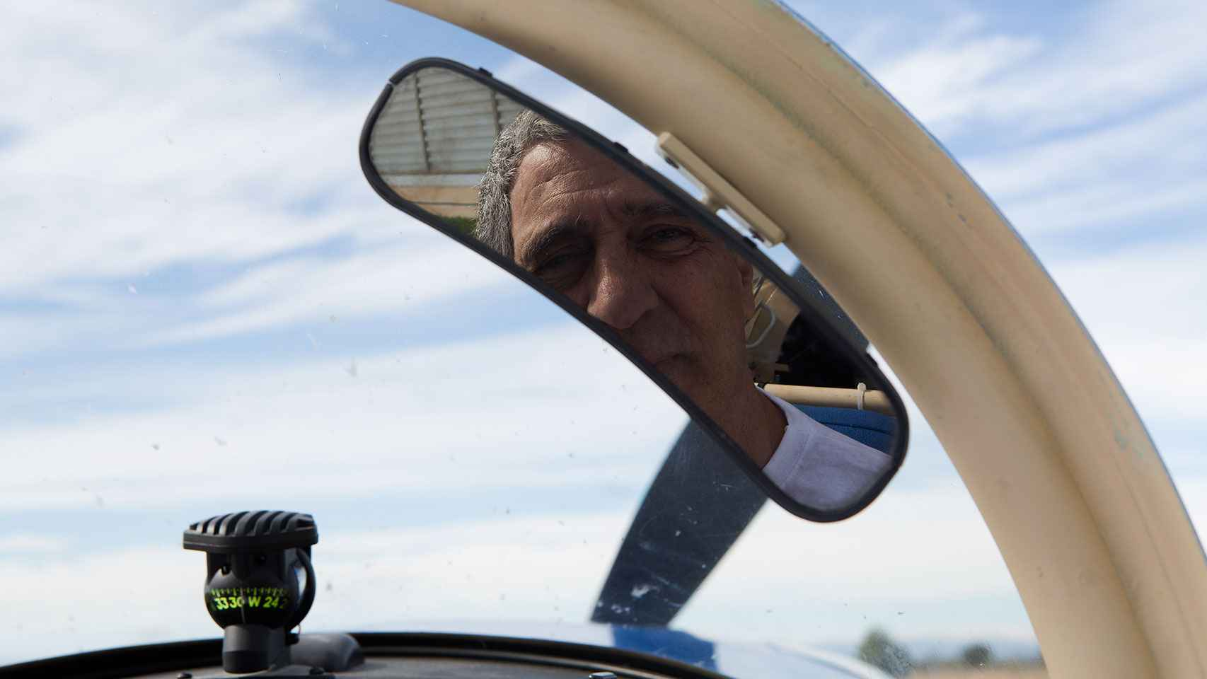 El aviador en el retrovisor.