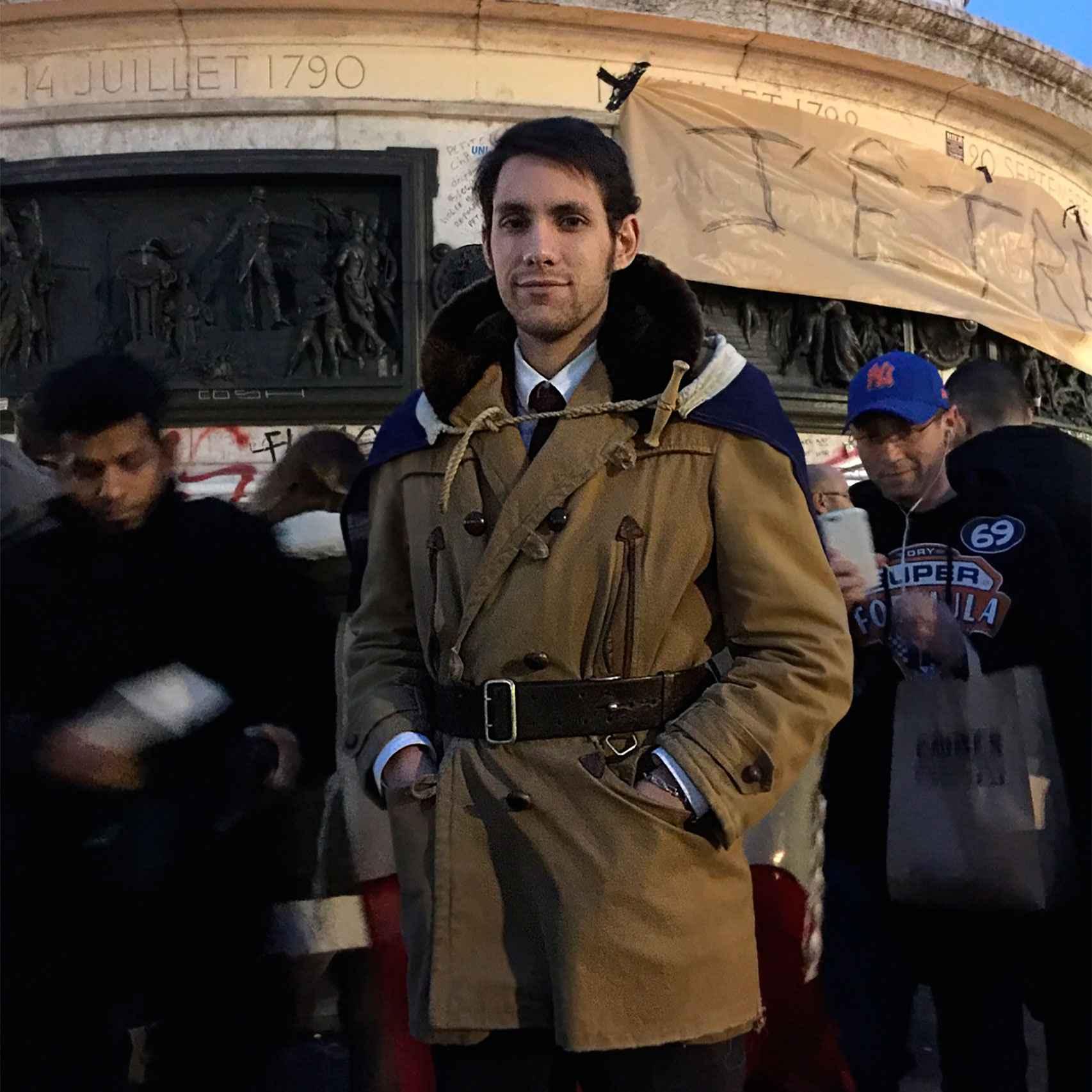 Un parisino en la plaza de la República.